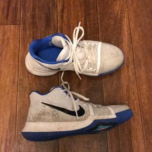 🔥sale🔥 Nike Kyrie Irving Boy Shoes - 7Y